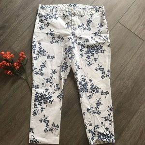 Gap khakis slim city white blue floral size 16R